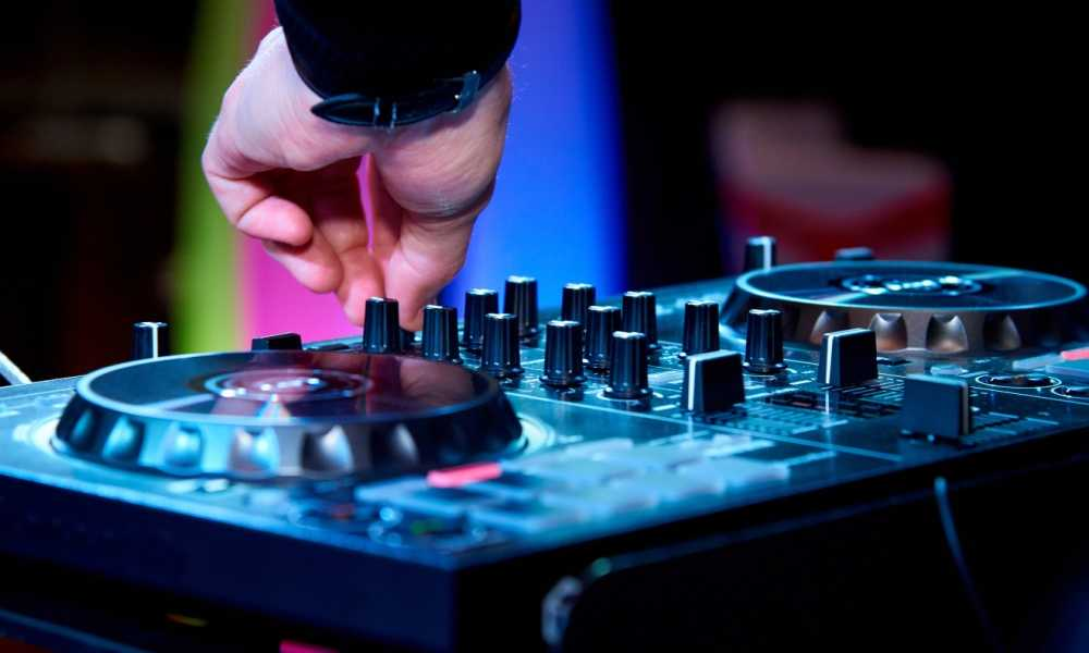 Best DJ Controller Reviews