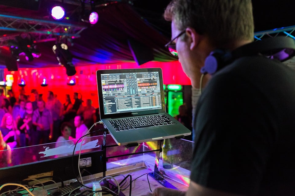 what dj software do most djs use